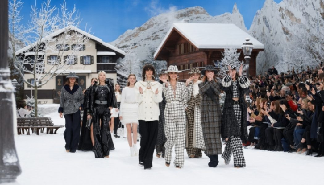 """""""It's Like Walking In A Painting"""" – Karl Lagerfeld's Words When Describing His Last Beautiful Chanel AW 19 Collection…"""
